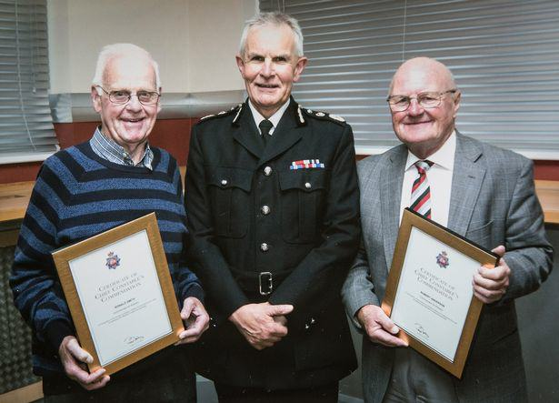 Heroic Pensioners Barricade Armed Robber In Shop Before Police Arrive UNILAD oap151009