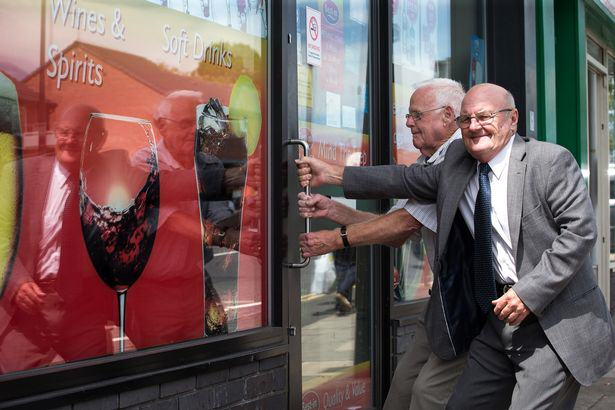 Heroic Pensioners Barricade Armed Robber In Shop Before Police Arrive UNILAD oap211496