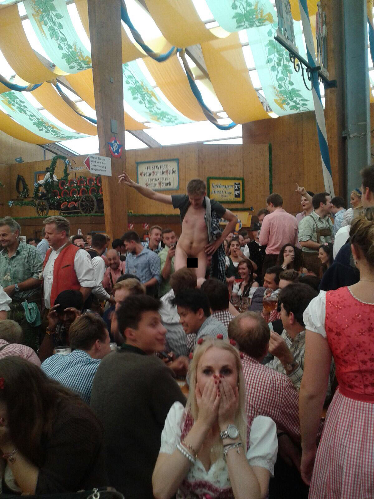 The Classic And Messy Moments Of Oktoberfest 2015 (NSFW) UNILAD okt177079