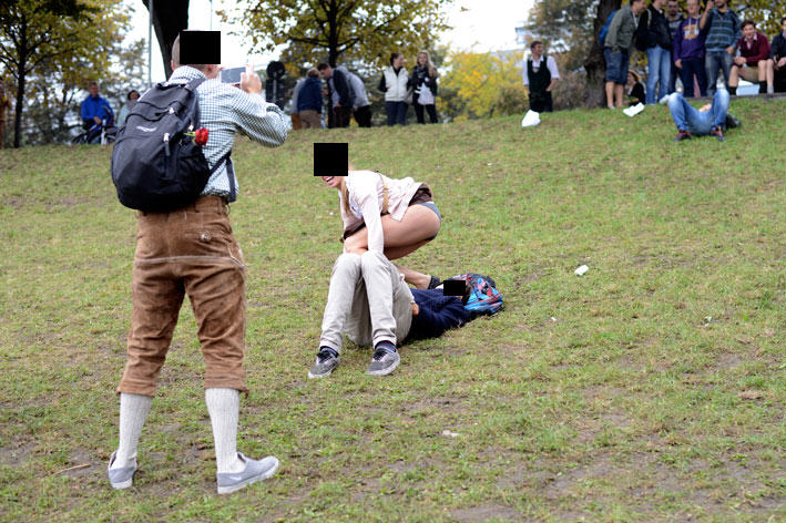 The Classic And Messy Moments Of Oktoberfest 2015 (NSFW) UNILAD okt515752