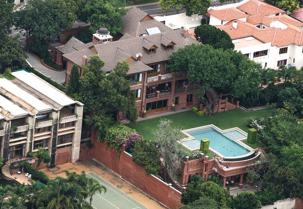 This Is The Plush Mansion Where Oscar Pistorius Will Spend His Sentence UNILAD pistorius mansion 446747
