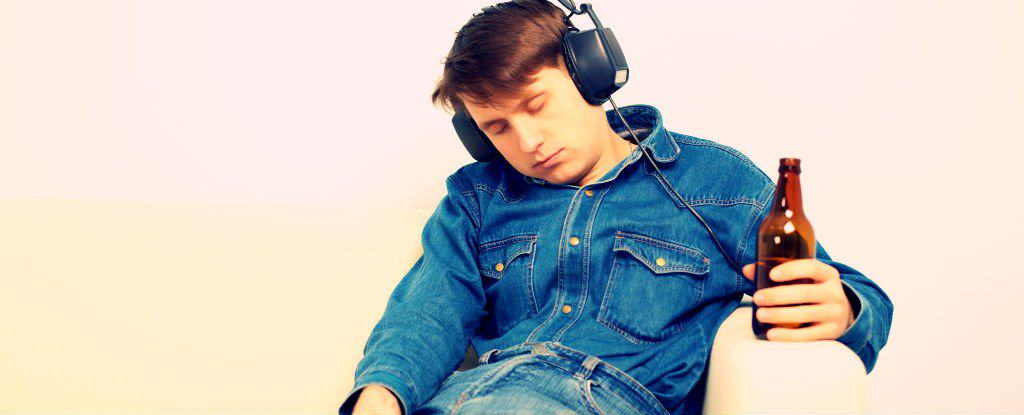 Science Says Listening To Music Can Help A Hangover UNILAD pzAxeShutterstock.com 12504