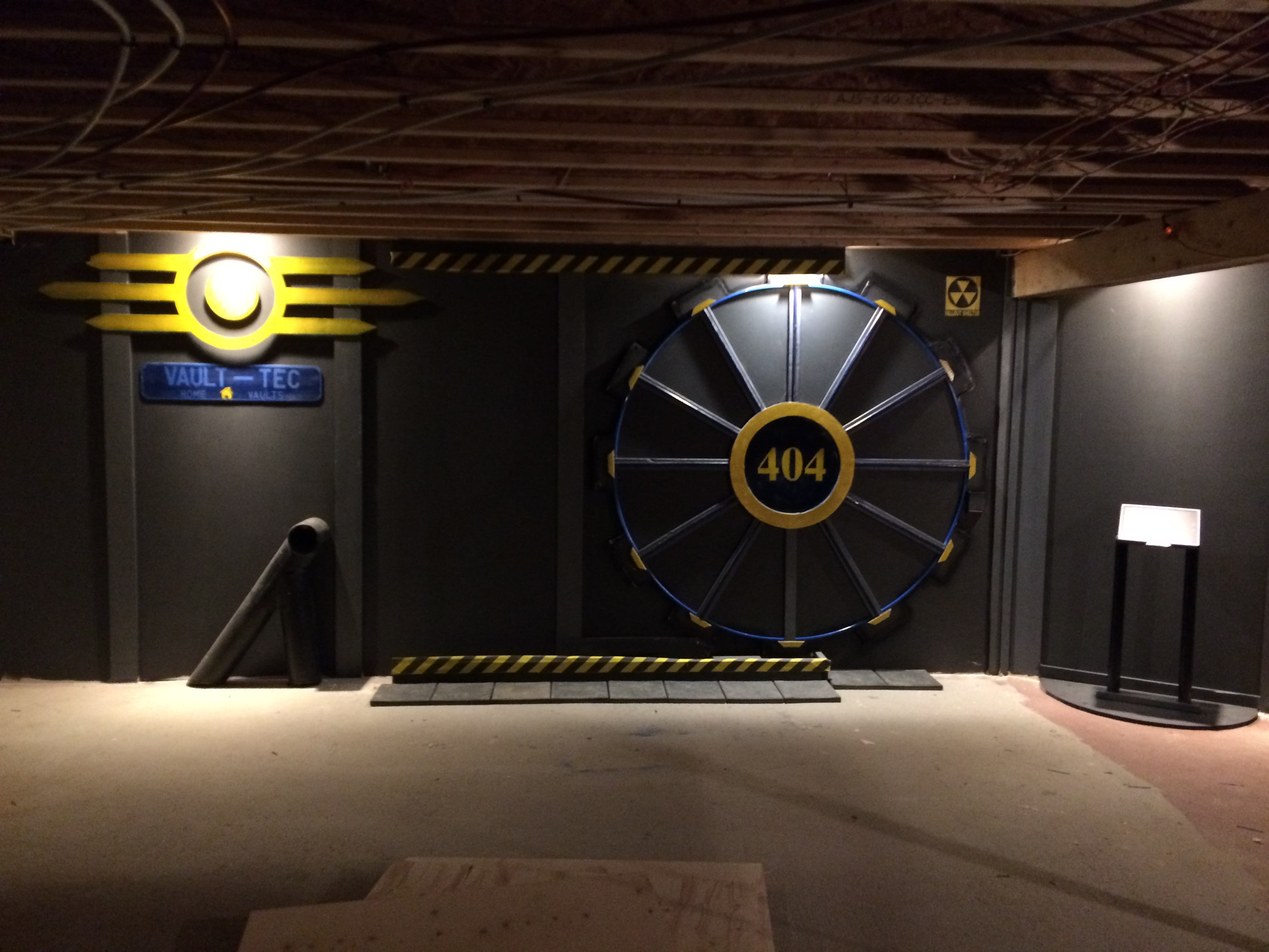 This Guy Built A Fallout Vault Door For His Basement Gaming Room UNILAD rWfHzJ83