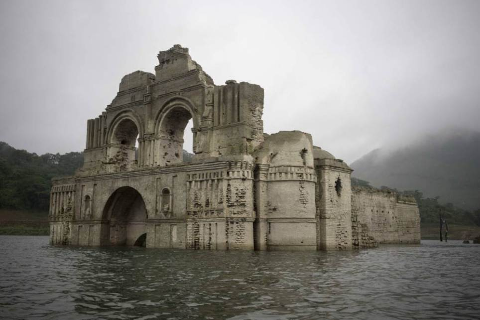 Colonial Church Emerges From Receding Waters In Mexico UNILAD santiago15036