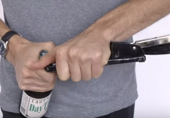 How To Open A Beer With Just About Anything Is One Life Hack You Need UNILAD stao web14
