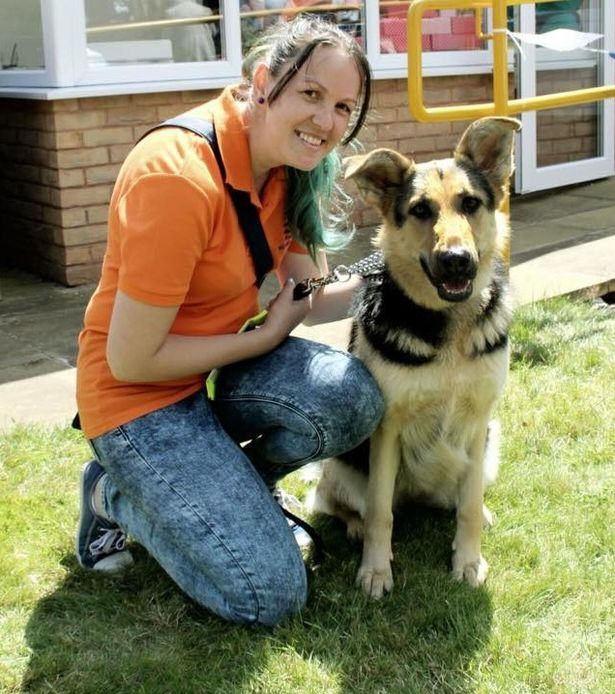 Blind Woman Asked To Leave Asda With Guide Dog UNILAD woman dog51200