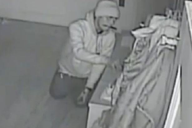 Creepy Footage Shows Burglar Crawl Round House With Knife In His Teeth 23