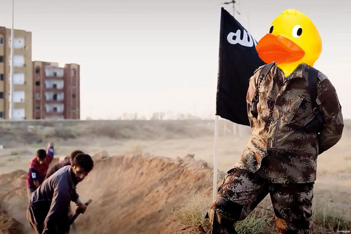 People Are Trolling The Shit Out Of ISIS Using Rubber Ducks 6