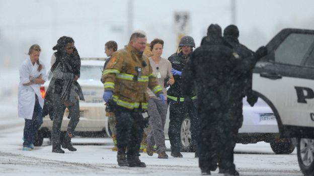 Three Dead After Lone Gunman Storms Abortion Clinic In The U.S. 86925743 030332713