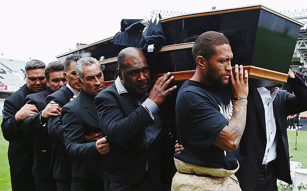 Jonah Lomus Former Teammates Perform Final Emotional Haka In His Honour Lomu coffin 3513502b1