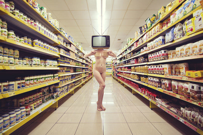 Photographer Takes Surreal Nudes To Explore Her Everyday Thoughts UNILAD 1150340
