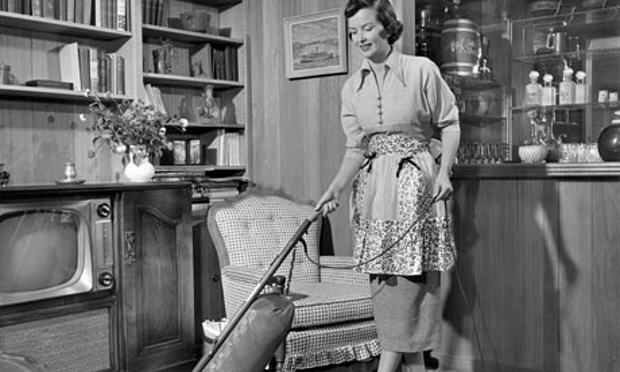 Study Reveals Surprising Way To Have More Amazing Sex UNILAD Apron housewife vacuuming 00798395