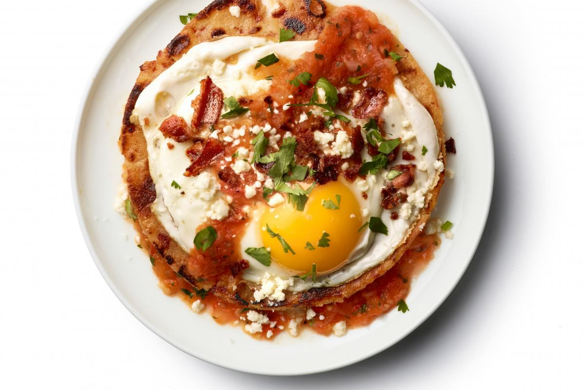 The Most Important Meal Of The Day? Around The World In 20 Breakfasts UNILAD FNM 090114 Huevos Rancheros Recipe s4x388062 1200x800