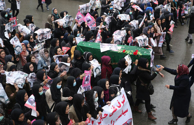 Female Protesters Carry Body Of Girl, 9, Beheaded By Militants Through Kabul UNILAD Massoud HossainiAP13272