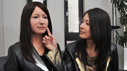 People Mistake Robot For Real Woman, And Think Shes Sexy UNILAD Osaka University and Kokoro Ltd30544