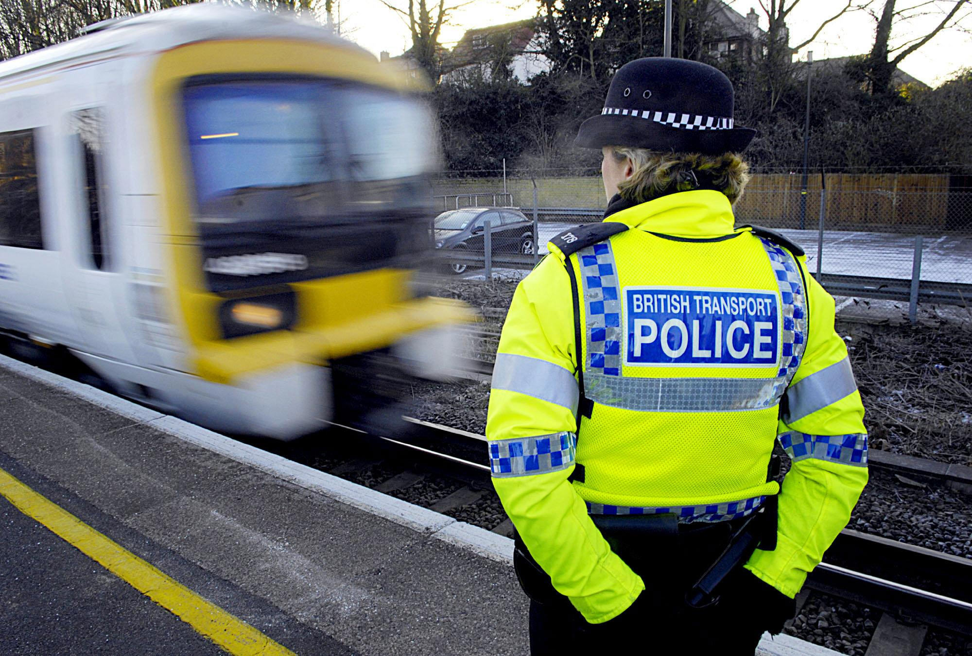 Mayor announces more police for London rail network