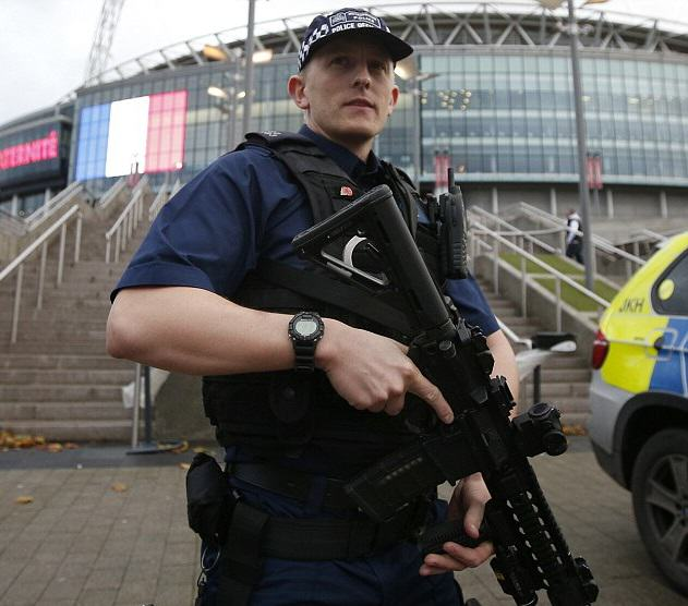 This Is What The Government Says We Should Do In A Paris Style Attack UNILAD Reuters4511