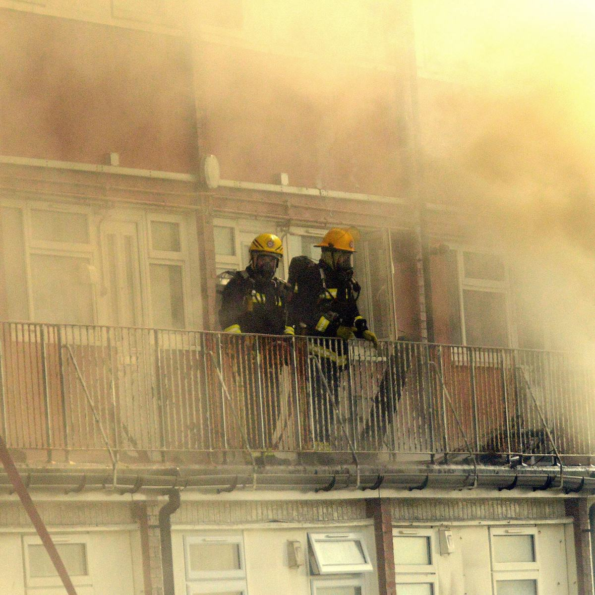 Boy Tries To Recreate Science Experiment, Burns Down Block Of Flats Causing £3m Damage UNILAD SWNS FLAT FIRE 0171092