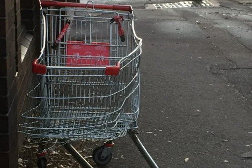 Man Dies After Riding Shopping Trolley Into Traffic At 50mph UNILAD Screen Shot 2015 11 10 at 12.22.3914682
