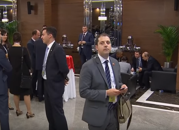 WATCH: The Strangest Man At The G20 Summit UNILAD Screen Shot 2015 11 17 at 2.33.04 pm79327