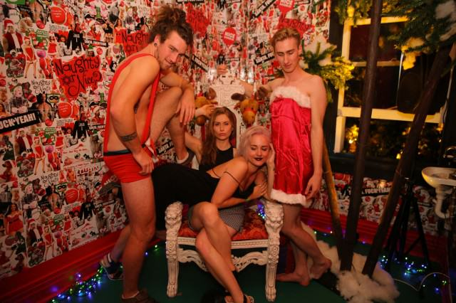 How To Do Christmas On The Cheap UNILAD Xmas party93879 640x426
