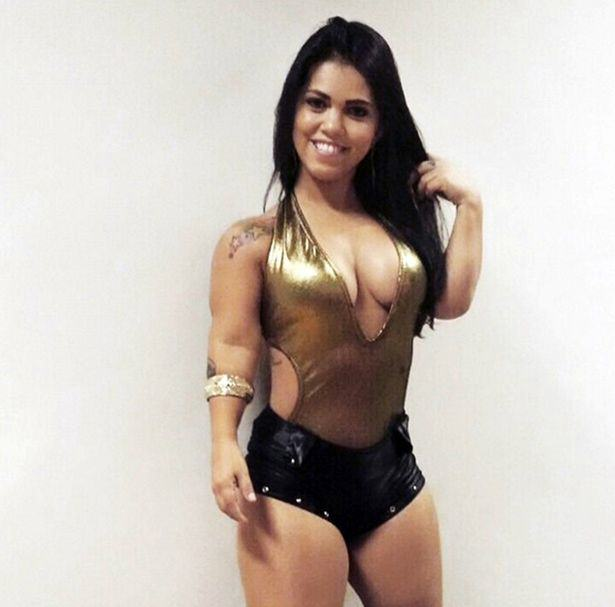 This Brazilian Model And Actress Is The Worlds Sexiest Dwarf UNILAD cen98324