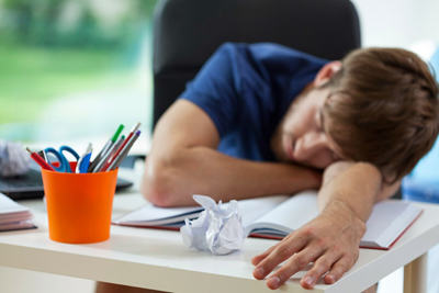The Top Nine Most Common Dreams And What They Mean UNILAD cpa sleeping while studying19208