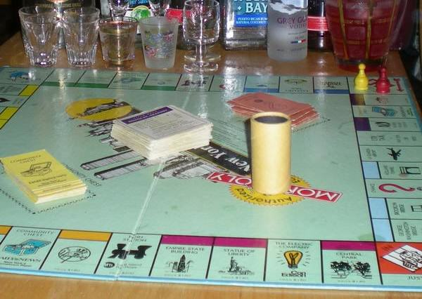 How To Do Christmas On The Cheap UNILAD drunk monopoly48538 600x426