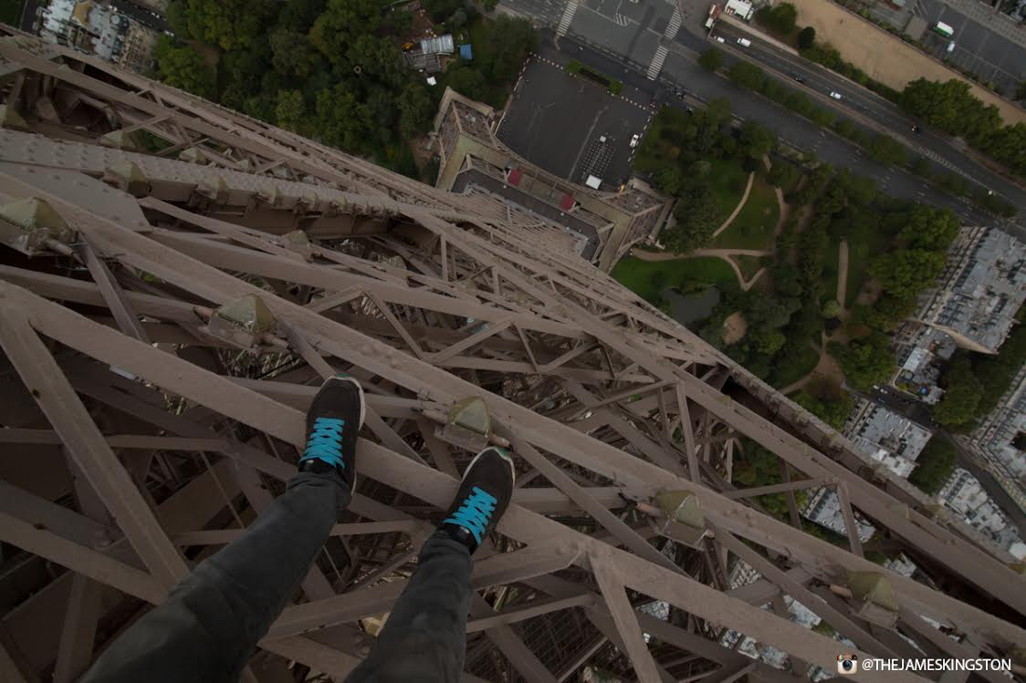 James Kingston Has Just Climbed The Eiffel Tower UNILAD eiffel tower 478438