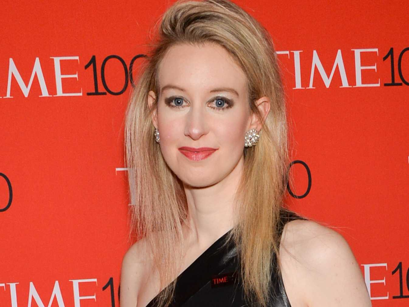 This Woman Dropped Out Of University At 19, Is Now Worth £5.9 Billion UNILAD elizabeth holmes 390919