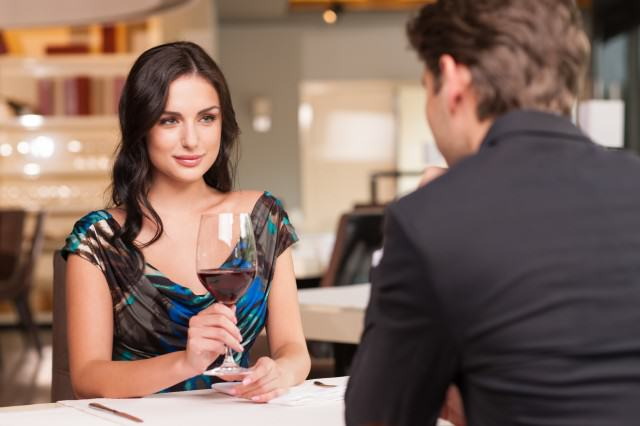 Some Genuinely Decent Get To Know You Questions For A First Date UNILAD first dates38858 640x426