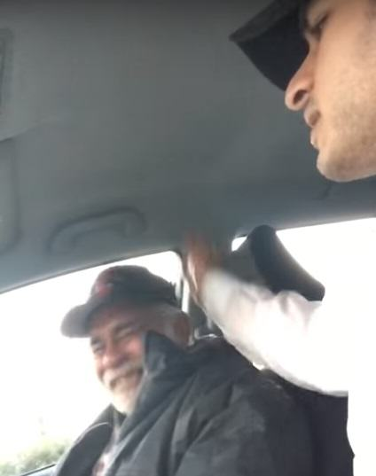 Homeless War Veteran Moved To Tears After Strangers Kind Act UNILAD homeless 158813
