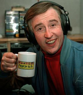 Great News: Alan Partridge Is Returning To Our TV Screens Very Soon UNILAD im alan patridge logo31417