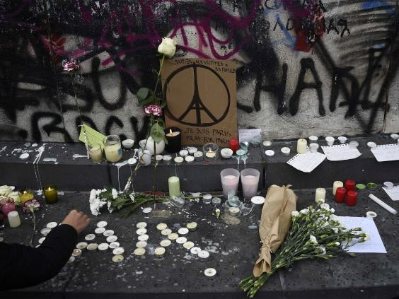 ISIS Claims Responsibility For Paris Attacks And Releases Video Threat UNILAD isis paris 266619