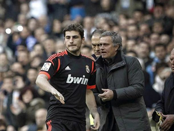 Jose Mourinho Is Chelseas Special One, And The Fans Know It UNILAD jose iker1050