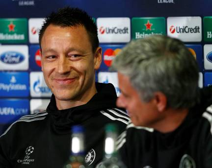 Jose Mourinho Is Chelseas Special One, And The Fans Know It UNILAD jt jose presser51500