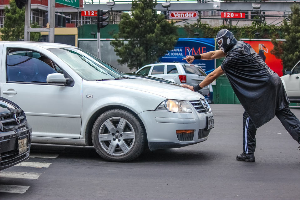 Masked Wrestler Grapples With Traffic To Protect Pedestrians In Mexico UNILAD masked man 294528