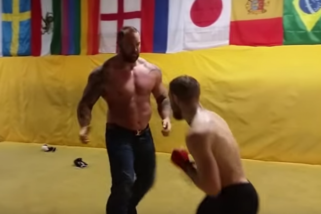 Conor McGregor vs Hafthór Björnsson from Game of Thrones UNILAD mountain5776 640x426