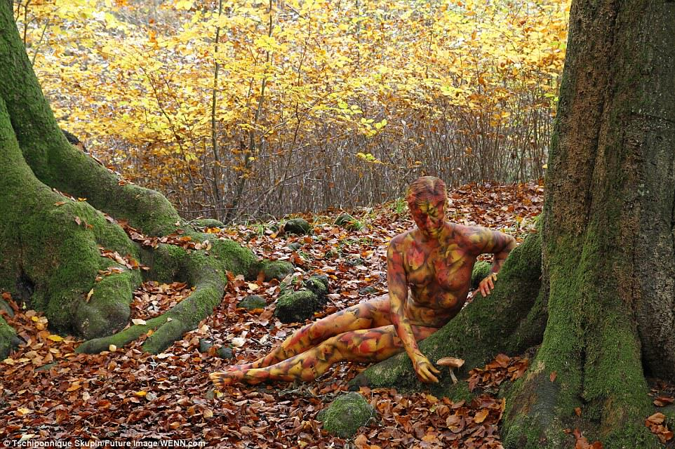 Can You Spot The Naked Woman In This Photograph? UNILAD naked772062