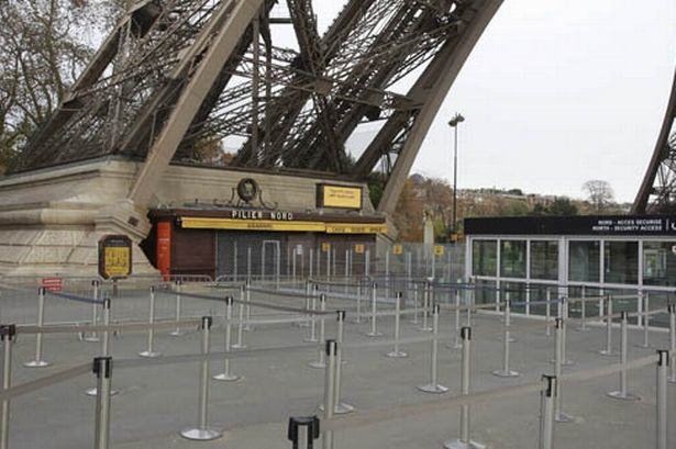 Sobering Images Of A Deserted Paris Following Terror Attacks UNILAD paris deserted 188031