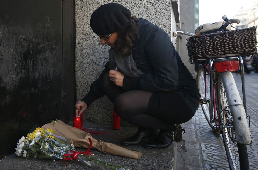 Heres How Cities Around The World Mourned And Memorialised The Paris Attack Victims UNILAD paris memorials 921012