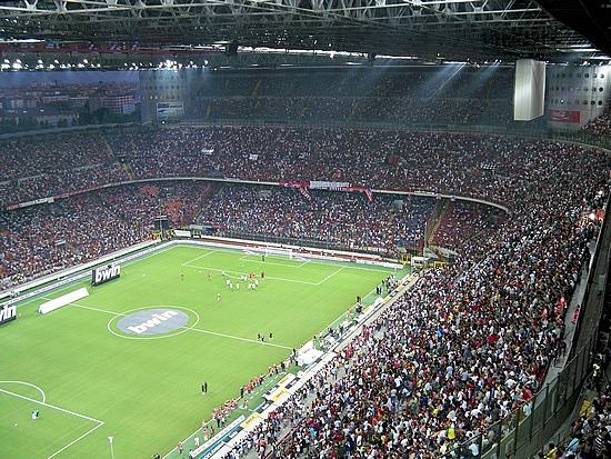 Football Fan Lived On Streets Of Milan For A Decade After Getting Lost UNILAD pensioner milan 220302