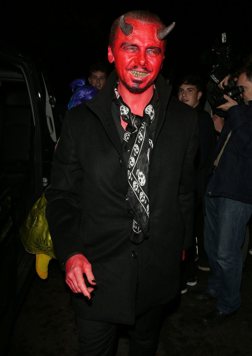 Heres The Best Halloween Outfits, Guaranteed To Make You Feel Better This Morning UNILAD simon pegg rex91257