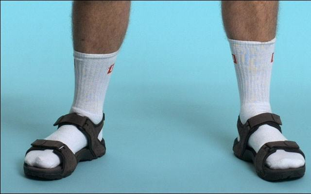How To Tell If Youre Turning Into Your Dad UNILAD socks88031 640x400