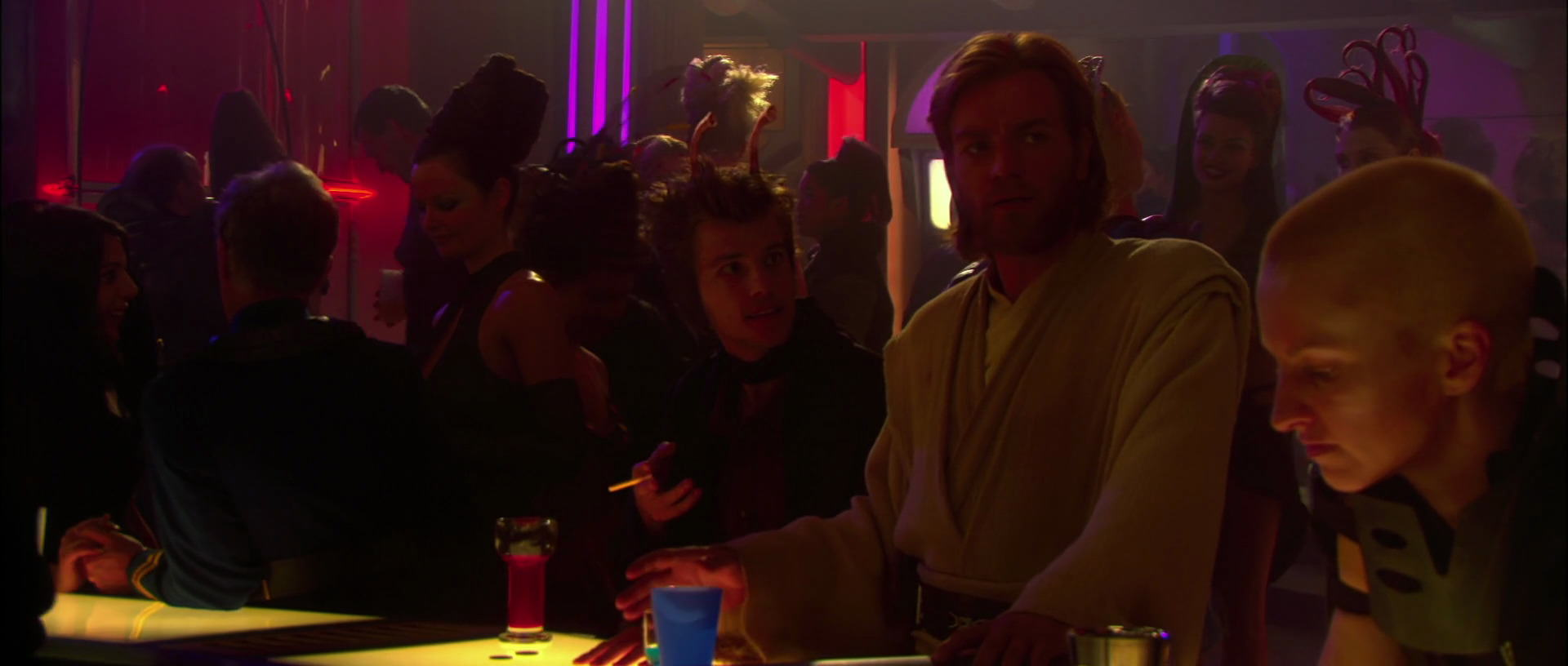 Star Wars: Attack Of The Clones Has An Awesome Matrix Easter Egg, Apparently UNILAD star wars matrix 123604