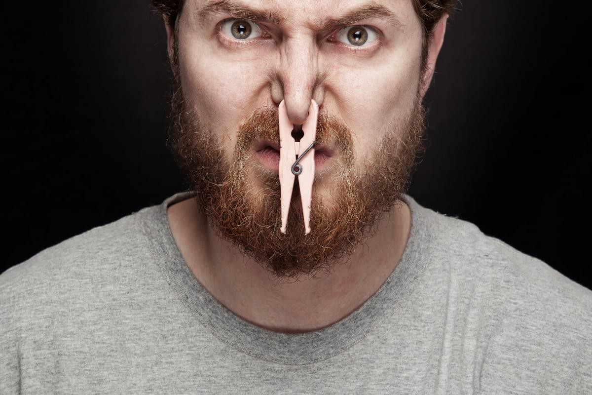Science Says Sniffing Farts Is Good For You, Apparently UNILAD stinky65769 1200x800