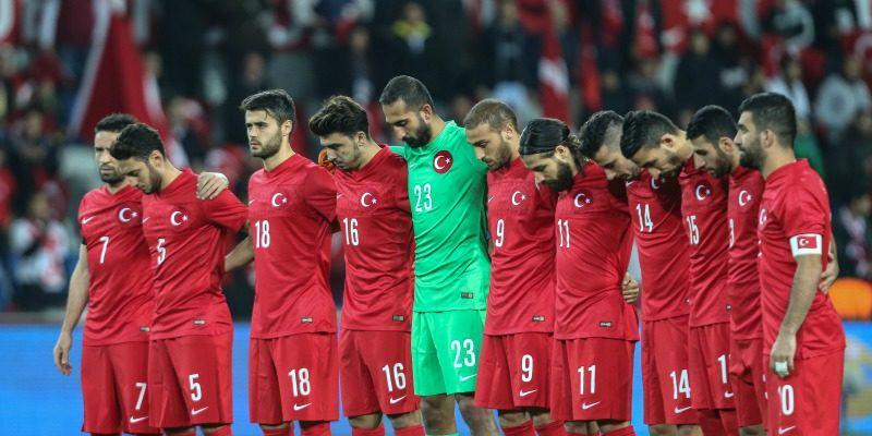 Did Turkish Football Fans Actually Boo Minute Of Silence For Paris? UNILAD turkey boo 178801