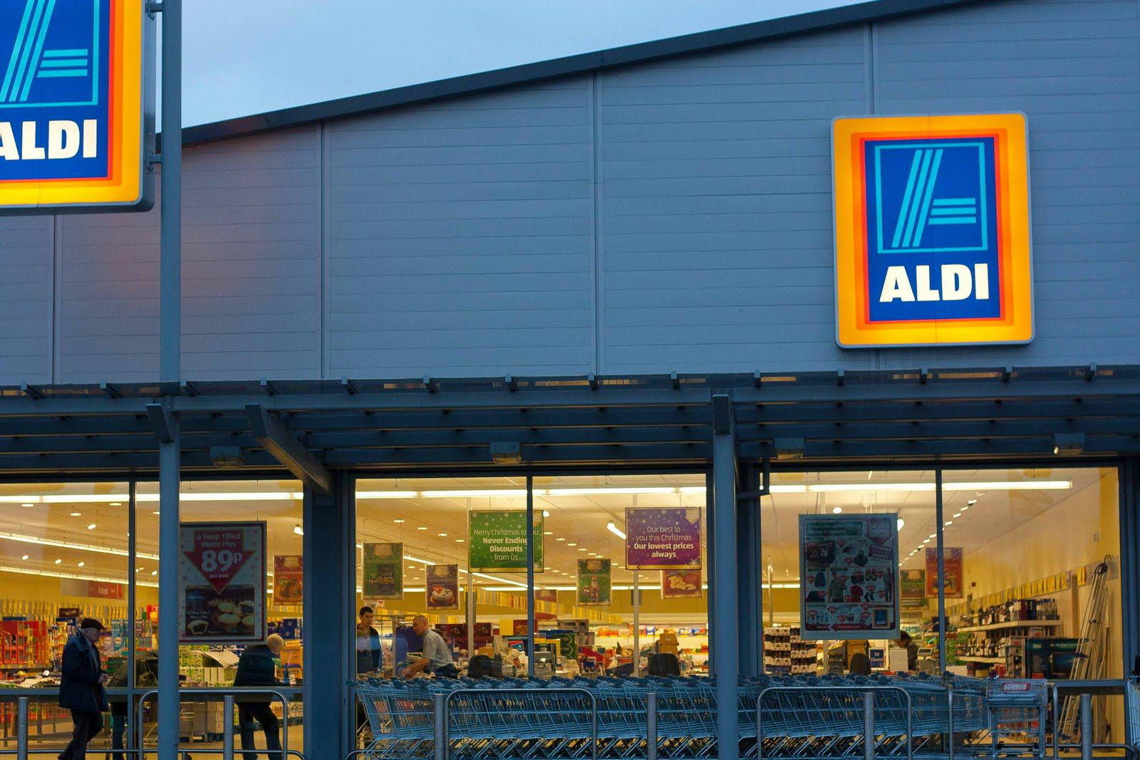 Aldi To Donate All Its Leftover Food To Charity For Christmas aldi