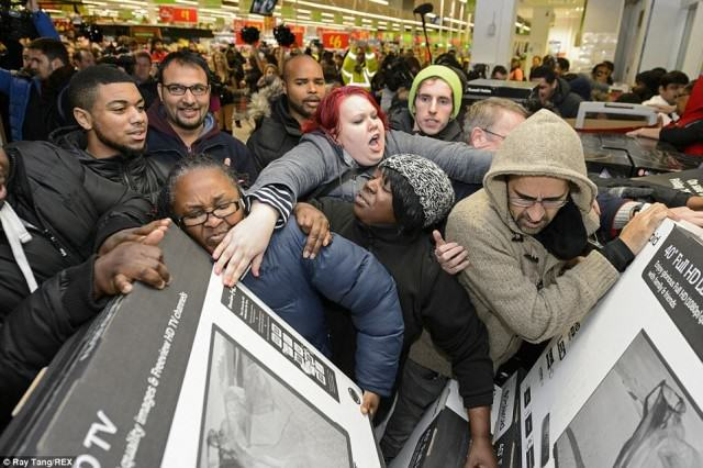 Its Black Friday Today And Shoppers Will Be Losing Their Shit black friday 640x426