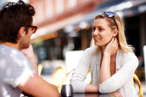 First Dates Could Be Replaced By Virtual Reality And Genetic Matching In 2040 firstdate8